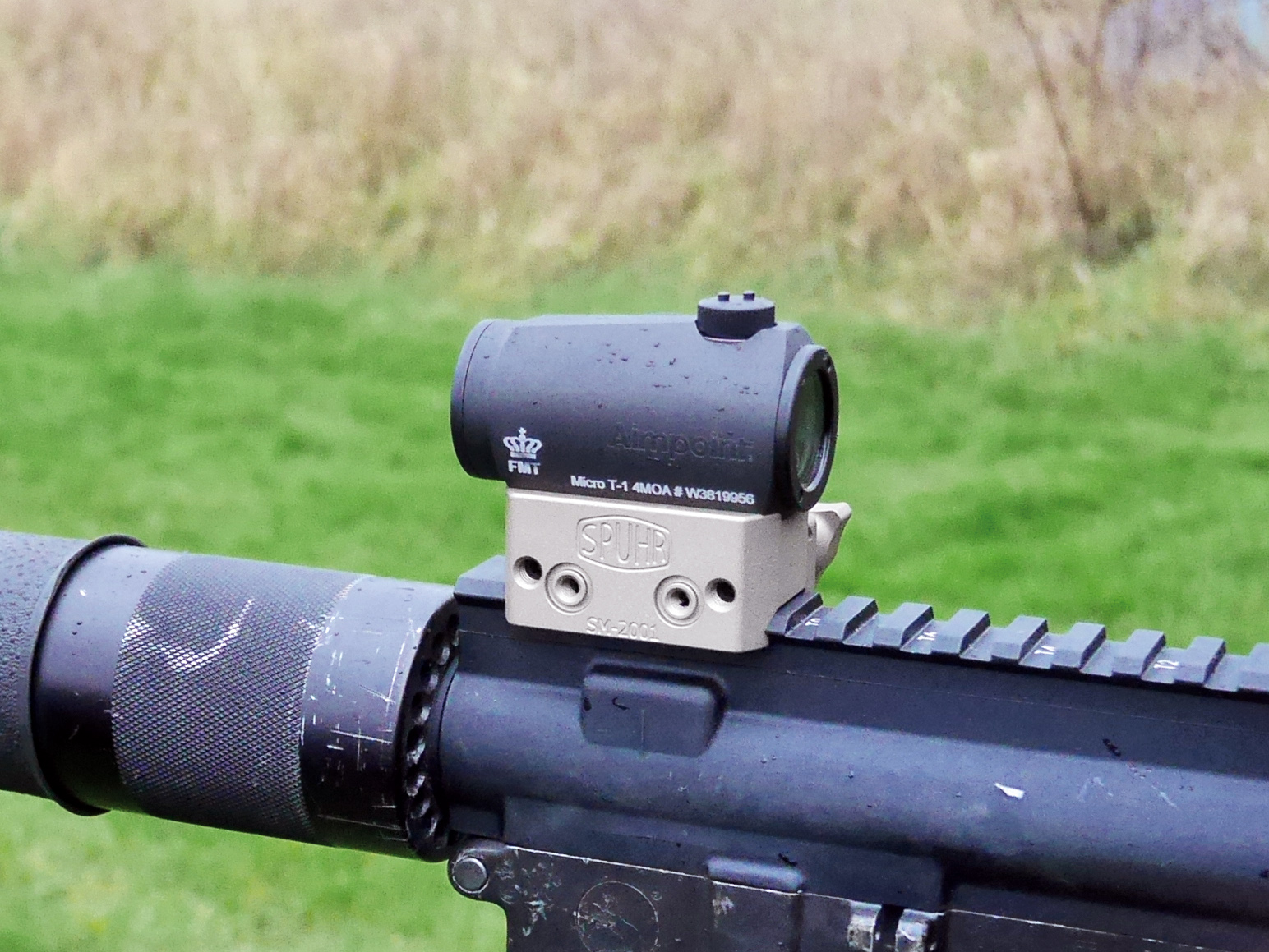 Aimpoint on carbine - SM-2001